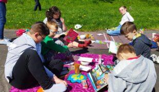 Więcej o: Piknik czytelniczy
